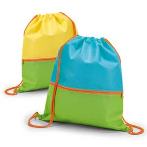 Drawstring bag. Non-woven: 80 g/m². Front pocket. 300 x 350 mm