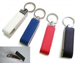 Διαφημιστικά USB/USB/ΦΛΑΣΑΚΙΑ - USB Housing leather and metal Dimension: 70 x 20 x 15 mm keyring: 105 x 20 x 15 mm Leather element: 40 x 11 mm